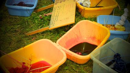 Batiken,Stoffe färben