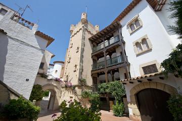 Roc de Sant Gaieta en Roda de Bara, Tarragona, Cataluña, España