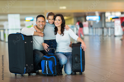 cute family at airport - 68508998