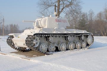 Тяжелый танк КВ-1 в зимней окраске