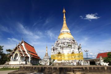 Wat Mon Jum Sin Lampang temple thailand