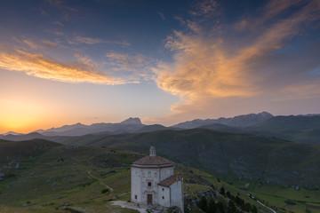 Antica Rocca al tramonto, Abruzzo