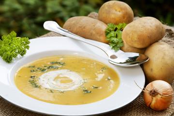 Kartoffelsuppe - potato soup