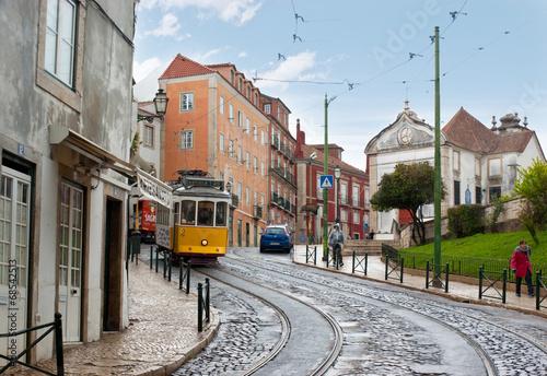 Walking in Lisbon - 68542513