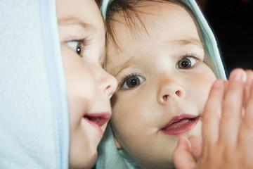 Ребёнок и зеркало