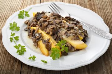piatto di funghi misti con polenta