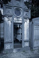 Cemetery urns