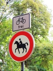 Für  Räder  und  Reiter