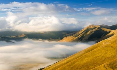 Pian Grande con nebbia