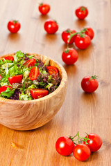 Mixed lettuce salad and tomatoes