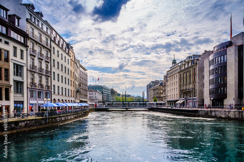 Leinwandbild Motiv Vue du Pont de la Machine à Genève