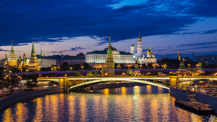 Moscow Kremlin (night view, view from the Patriarchal bridge), R