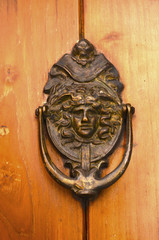 Knocker metal design