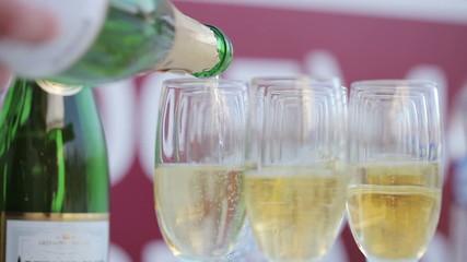 Bottling champagnes