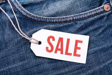 """Jeans mit Label """"Sale"""""""