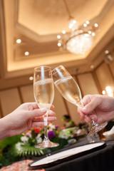 シャンパンで乾杯