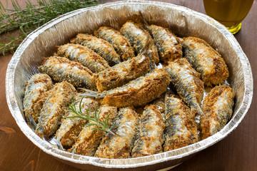 Vassoio di sardine ripiene e panate