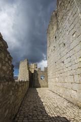 Antica torre medievale, Abruzzo