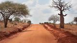 Strada sterrata in Kenya - 68611398