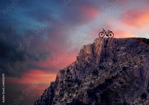 Fotobehang Wielersport Mountain bike in mountains