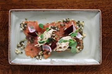 gravlax salmon plated