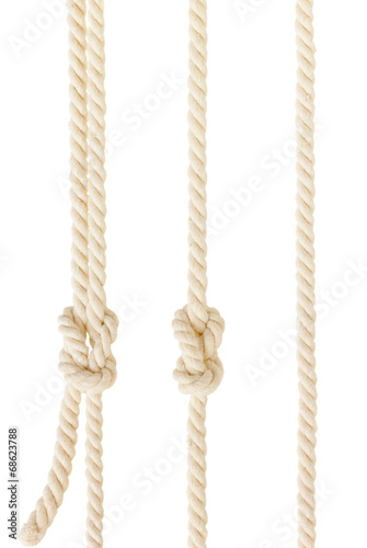 Papiers peints Magasin de sport ship ropes with knot isolated on white background