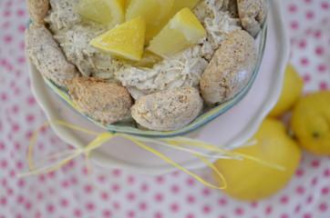 Mini-Zitronen-Charlotte
