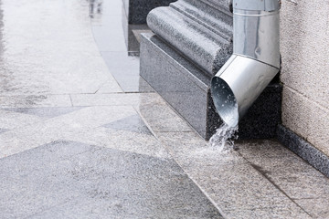 Water flow from drainpipe