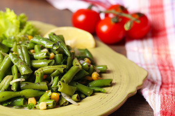 Salad with green beans and corn, sesame seeds