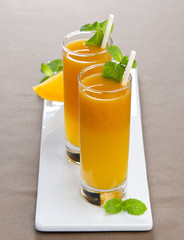 pumpkin carrot juice with mint