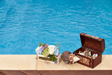 Treasure chest pool flowers snail