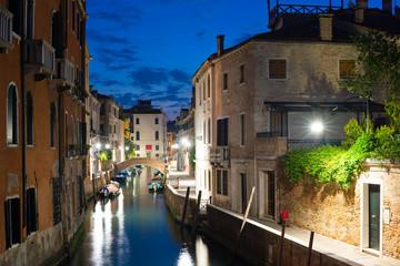 venezia canale notturno 5523