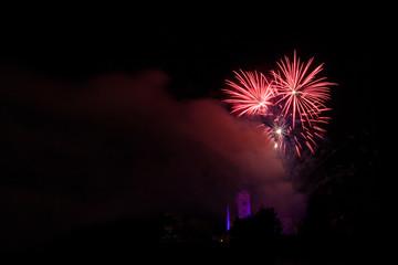 Feuerwerk über der Kirche Loretto