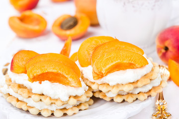 Biscuit with apricots