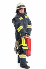 Feuerwehrfrau mit Löschgerät