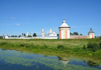 Спасо-Прилуцкий монастырь в Вологде летом