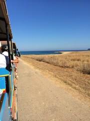 Sul trenino verso la spiaggia