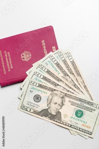 canvas print picture Dollarscheine und Reisepaß
