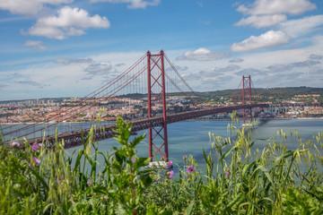 Lisbonne : pont du 25 avril depuis le Cristo Rei