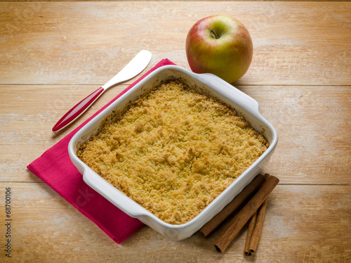 canvas print picture apple crumble with cinnamon