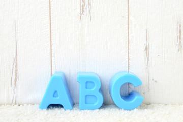 早期英語教育イメージ―アルファベットのおもちゃ