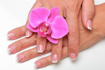 les ongles.... la femme