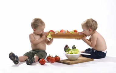 tweeling eten brood