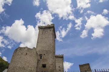 Torri del castello di Pacentro