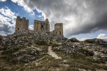 Castello abruzzese nel Parco Nazionale del Gran Sasso