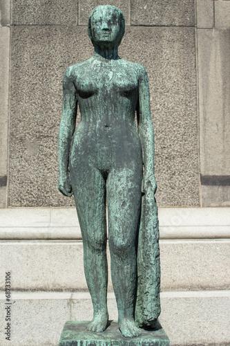 Poster Stående kvinde med draperi skulptur Ny Carlsberg Glyptotek