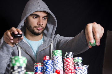 Placing bet online poker