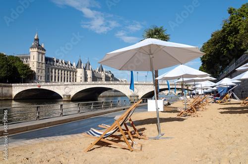 pont et plage de Paris - 68754946