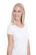 Junge glückliche blonde Frau in Weiß isoliert