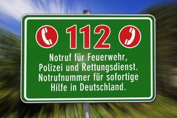 Hinweisschild Notrufnummer 112, grün